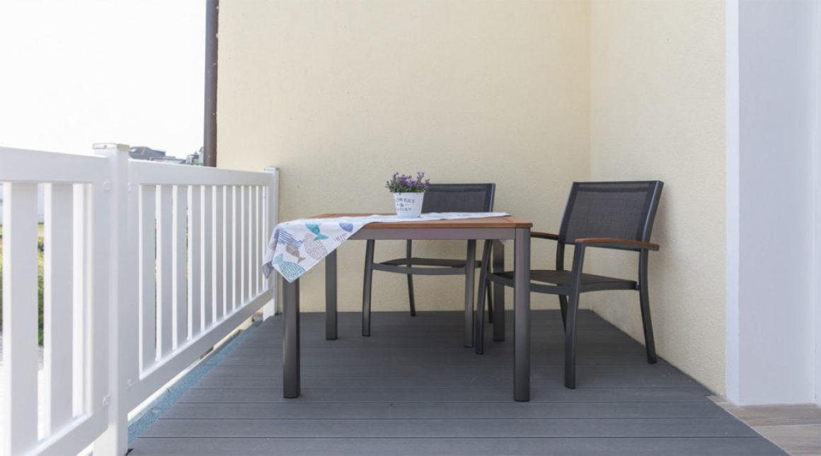 Kranich-Ferienwohnung-Balkon-villa-vineta
