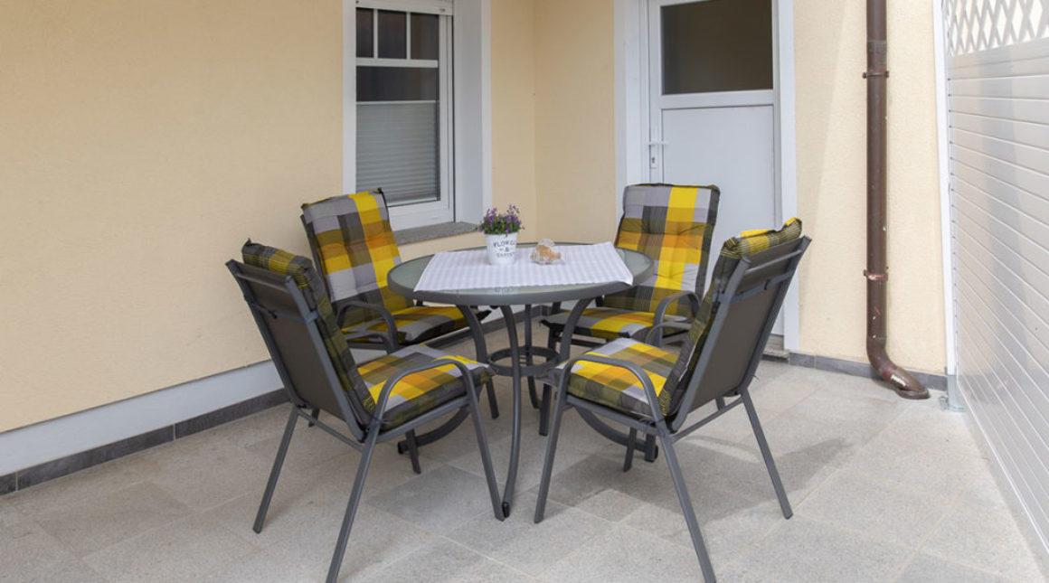 Sandregenpfeifer-Ferienwohnung-terrase-villa-vineta