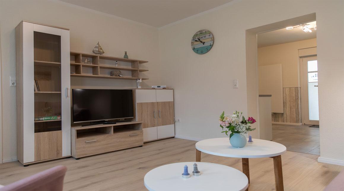 Sandregenpfeifer-Ferienwohnung-wohnzimmer-tv-villa-vineta