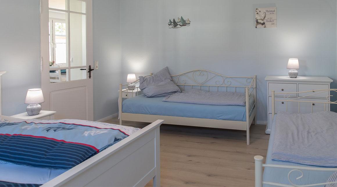 Schwan-Ferienwohnung-schlafzimmer-villa-vineta